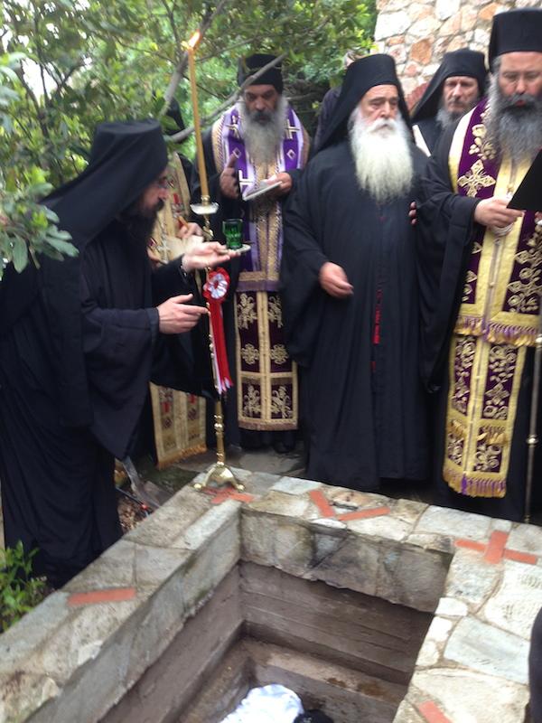 Преставился афонский старец Спиридон (Микрагиананитис)